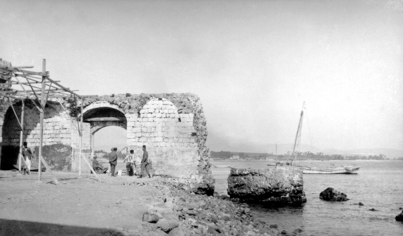 The sea gate where Bahá'u'lláh and His companions entered 'Akká in 1868