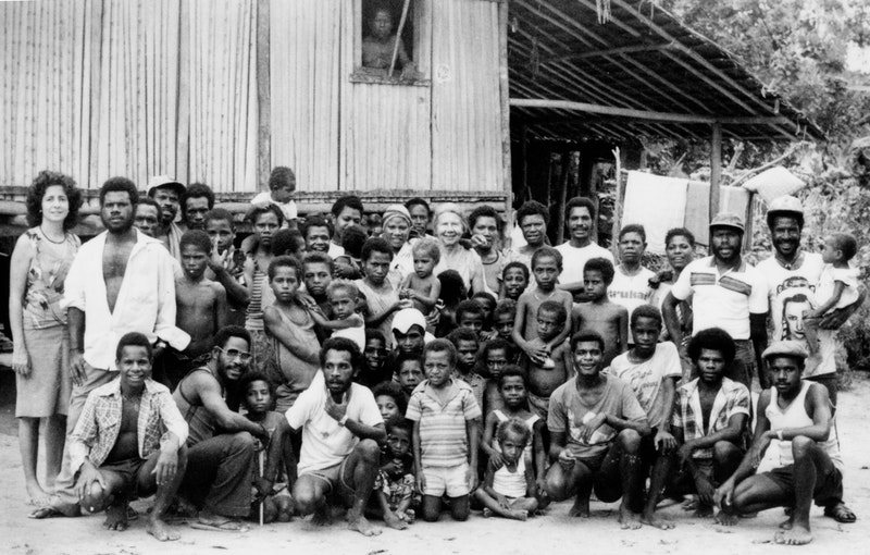Violet Hoehnke (center) visiting Baha'is in the West Sepik region, Papua New Guinea, 1985.