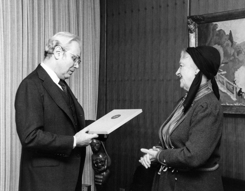 In 1985, Madam Ruhiyyih Rabbani, the widow of Shoghi Effendi and a Hand of the